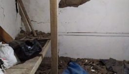Depremde 2 ev hasar gördü