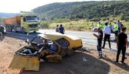 İki otomobil  çarpıştı, 11 yaralı