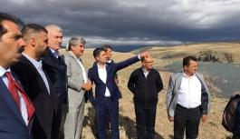 MHP'li Özdemir, Zamantı ırmağından su alan çiftçilerin sorununu Meclis gündemine taşıdı.