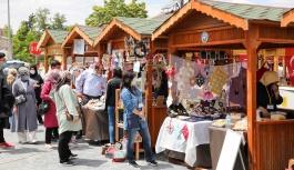 Talas'ta 'Maharetli Eller Kadın Üretici Pazarı' Yeniden Başladı