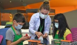 Büyükşehir'in Bilim Merkezi'nde Bilim Kampları Başladı