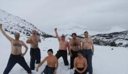 Yer: Erciyes! Eksi 10 derecede kar banyosu!