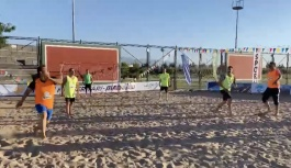 Büyükşehir'den Bir İlk: Denizi Olmayan Kayseri'de Plaj Futbolu