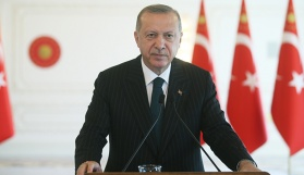 Erdoğan: 'Yeni dönemin parlayacak yıldızı olarak Türkiye gösteriliyor'