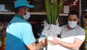 KOCASİNAN'DA YENİ AÇILAN İŞ YERLERİNE 'HAYIRLI OLSUN' ÇİÇEĞİ